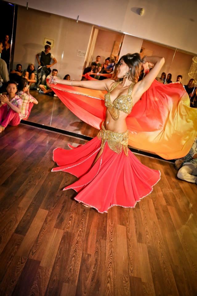 corso di danza del ventre a Milano della Phoenix Studio Dance a.s.d.