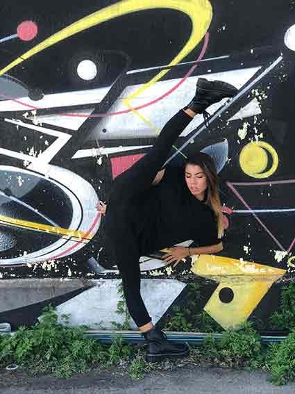 Ballerina di Modern-contemporary Elenoire Greco