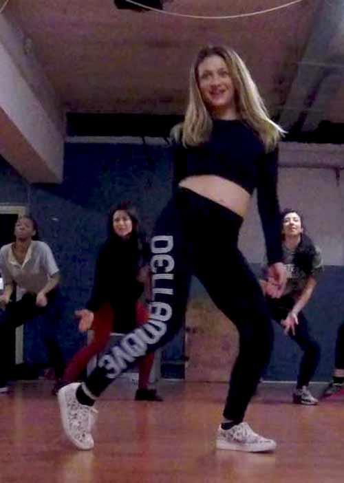 Eva è insegnante di Dancehall a Milano