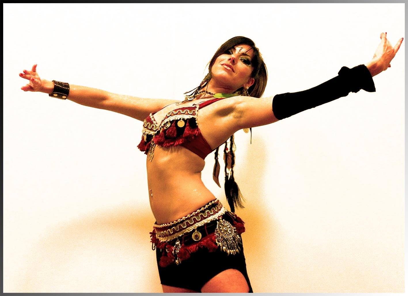 Jenny spallina insegnante di tribal fusion